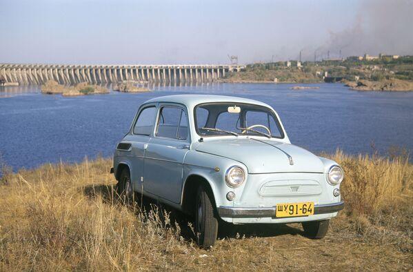 В народе ЗАЗ-965 сразу же прозвали горбатым — за форму кузова.  - Sputnik Беларусь