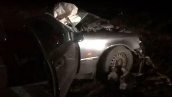 Mercedes врезался в бетономешалку под Могилевом - Sputnik Беларусь