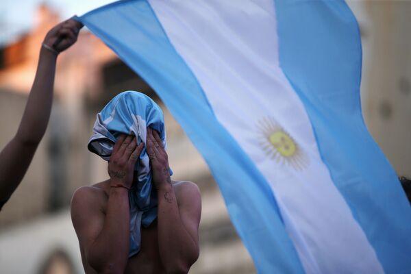 Аргентина оплакивает своего соотечественника - величайшего футболиста ХХ века Диего Марадону - Sputnik Беларусь