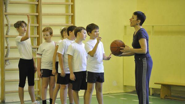 Урок физкультуры в школе - Sputnik Беларусь