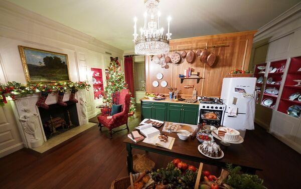 Китайская комната в рождественских декорациях в Белом доме  - Sputnik Беларусь