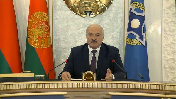 Лукашэнка прапанаваў лідарам АДКБ сустрэцца не па тэлевізары - відэа - Sputnik Беларусь