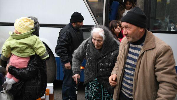 Возвращение беженцев в Карабах - Sputnik Беларусь