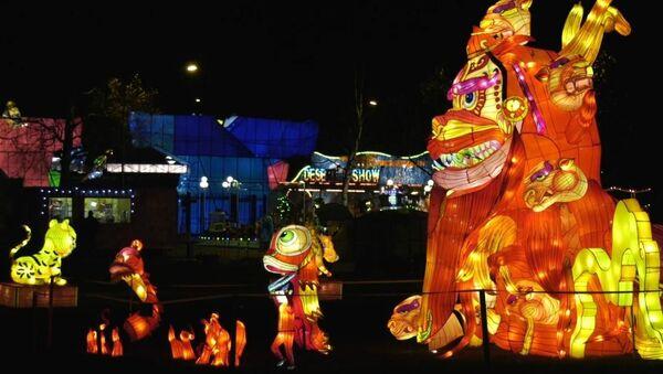 Гигантские китайские фонари зажглись в столице Эстонии, видео - Sputnik Беларусь