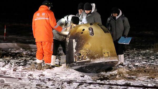 Капсула Chang'E-5 с образцами породы приземлилась на территории Внутренней Монголии - Sputnik Беларусь