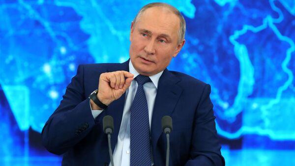 Президент России Владимир Путин во время Большой пресс-конференции - Sputnik Беларусь