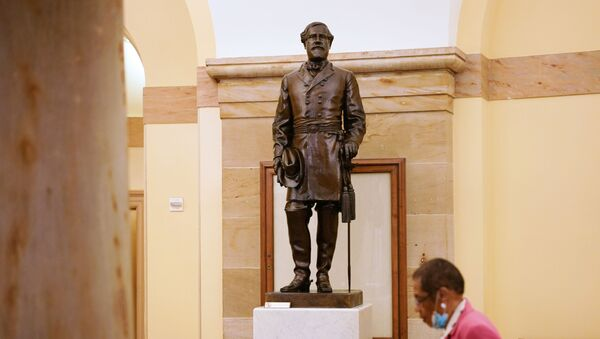 Статуя генерала Роберта Ли в Капитолии Вашингтона - Sputnik Беларусь