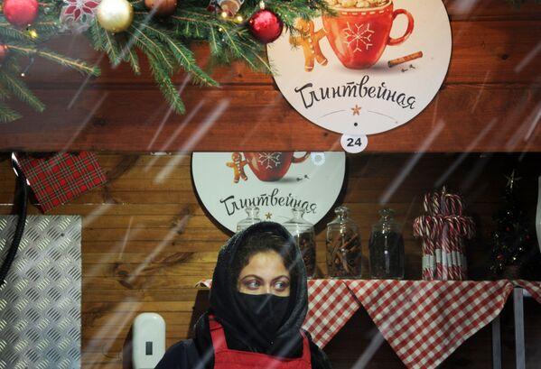 Новогодняя ярмарка на Немиге в Минске - Sputnik Беларусь