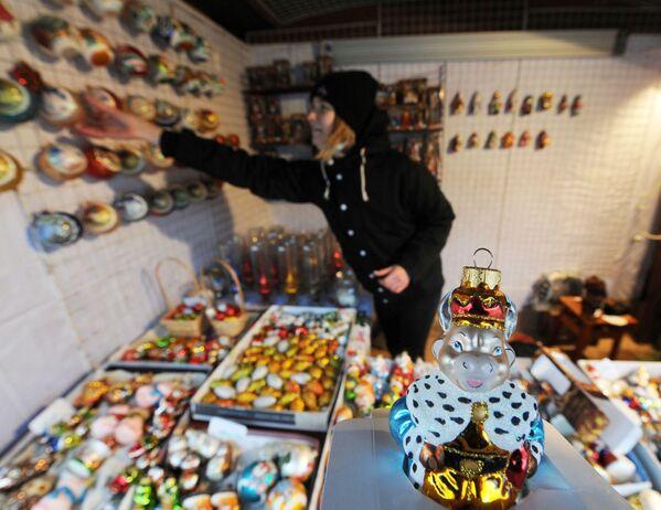 Новогодние игрушки на ярмарке в Минске - Sputnik Беларусь