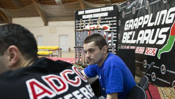 Корреспондент Sputnik во время одного из турниров по грэпплингу - Sputnik Беларусь