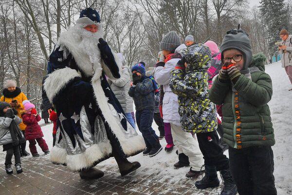 Домик Деда Мороза в парке Горького в Минске - Sputnik Беларусь