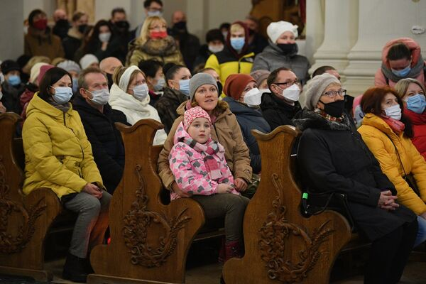 Рождественская служба в Архикафедральном соборе Святой Девы Марии - Sputnik Беларусь