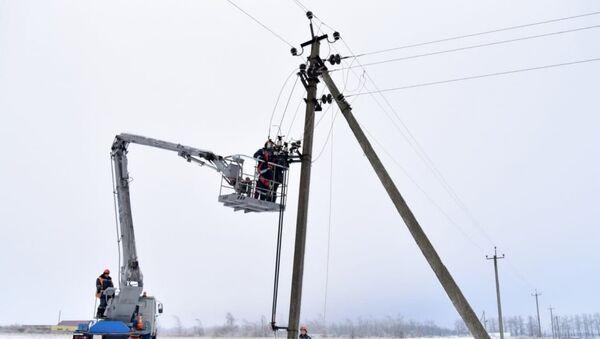Восстановление поврежденных ЛЭП - Sputnik Беларусь