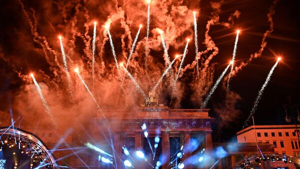 Салют во время празднования Нового 2021 года в Берлине  - Sputnik Беларусь