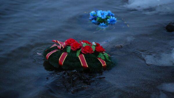 Траурный митинг в память о погибших на траулере Онега моряках - Sputnik Беларусь