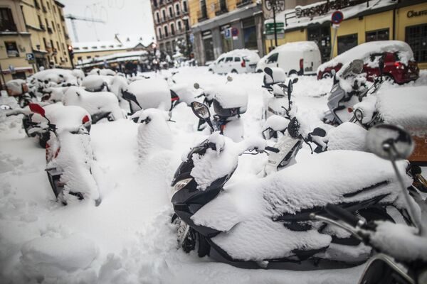 Последствия снежной бури в Мадриде - Sputnik Беларусь