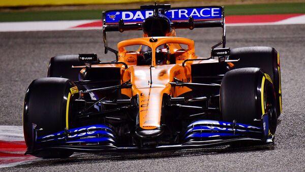 Болид команды Формулы-1 McLaren - Sputnik Беларусь