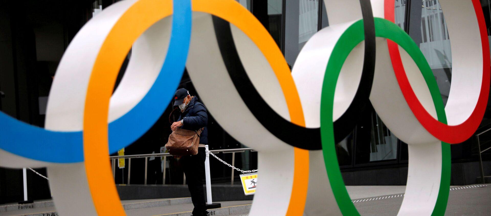 Олимпийские кольца в парке в Токио - Sputnik Беларусь, 1920, 26.02.2021