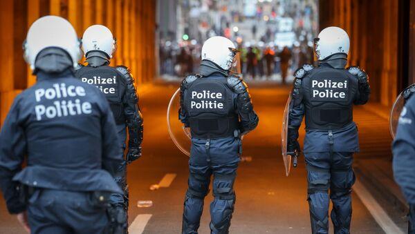 Полиция против митингующих в Брюсселе - Sputnik Беларусь