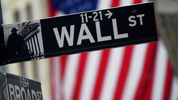 Указатель на Уолл-стрит в Нью-Йорке - Sputnik Беларусь