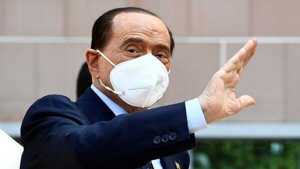 Бывший премьер-министр Италии Сильвио Берлускони - Sputnik Беларусь