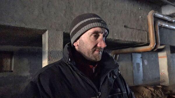 Как бездомные переживают мороз - видео - Sputnik Беларусь
