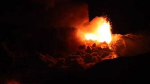 Этна зноў прачнулася: вывяржэнне вулкана адбылося на Сіцыліі - відэа - Sputnik Беларусь
