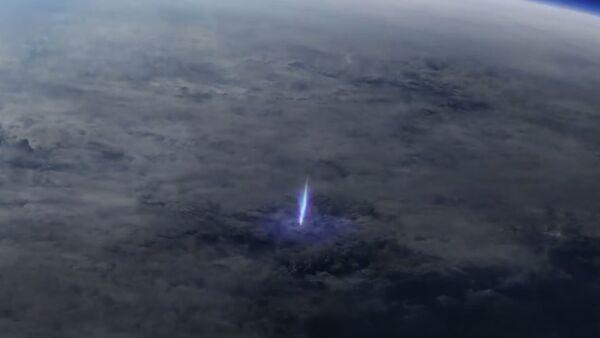 Сіні струмень і эльф: камеры МКС знялі рэдкія прыродныя з'явы - відэа - Sputnik Беларусь