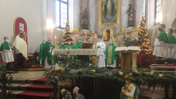 Кондрусевич представил на мессе епископа Великосельца - Sputnik Беларусь