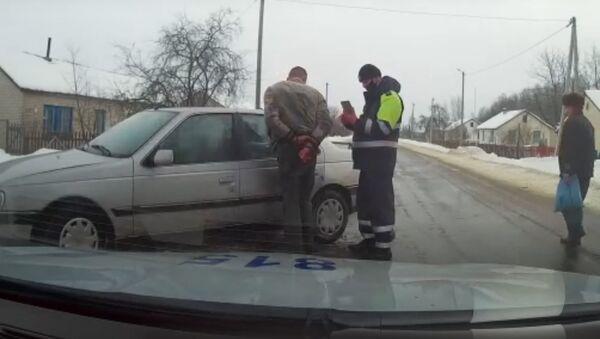 Пьяный водитель устроил гонки с ГАИ в Мядельском районе - Sputnik Беларусь