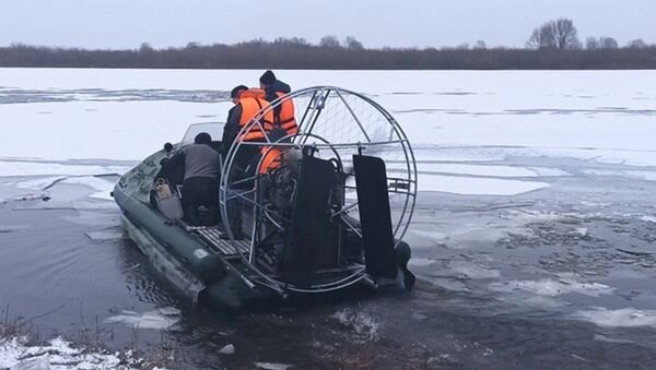 Поиски тела погибшего рыбака - Sputnik Беларусь