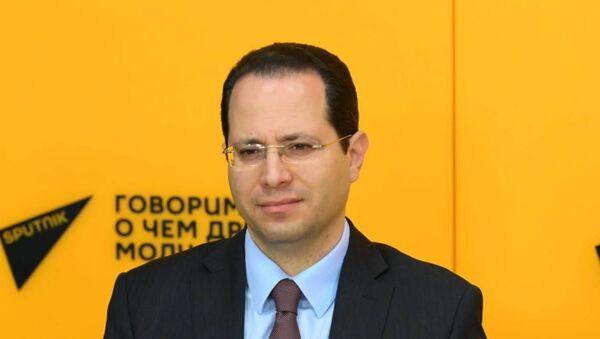 Главный экономист Евразийского банка развития и Евразийского фонда стабилизации и развития Евгений Винокуров - Sputnik Беларусь