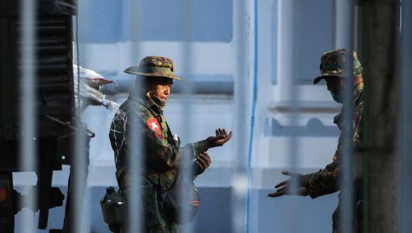 Салдаты ў ратушы Янгона, М'янма - Sputnik Беларусь