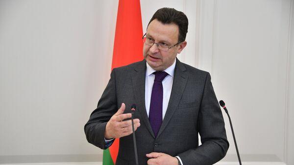 Министр здравоохранения Дмитрий Пиневич - Sputnik Беларусь