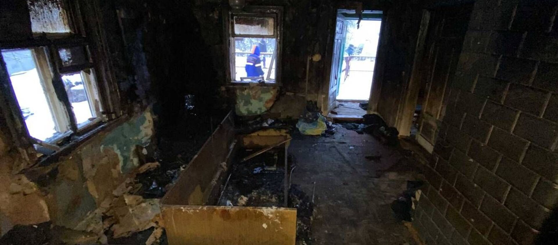 Последствия пожар в частном жилом доме в Лиде - Sputnik Беларусь, 1920, 05.02.2021