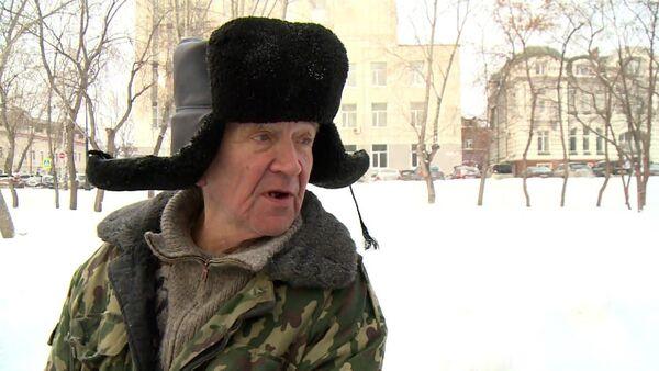 Завирусился: дворник ответил на вопрос о любви и взорвал интернет (видео)  - Sputnik Беларусь