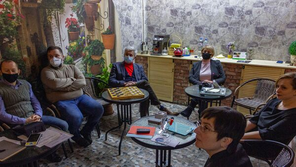 Первая темная комната открылась в Беларуси – там уже проводят свидания - Sputnik Беларусь