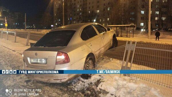 ДТП на улице Алибегова в Минске - Sputnik Беларусь