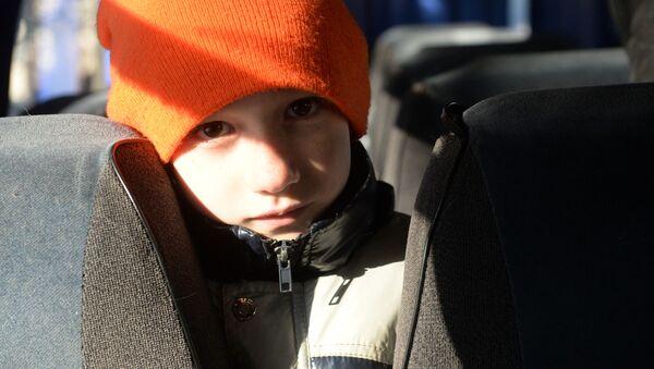 Мальчик в автобусе - Sputnik Беларусь