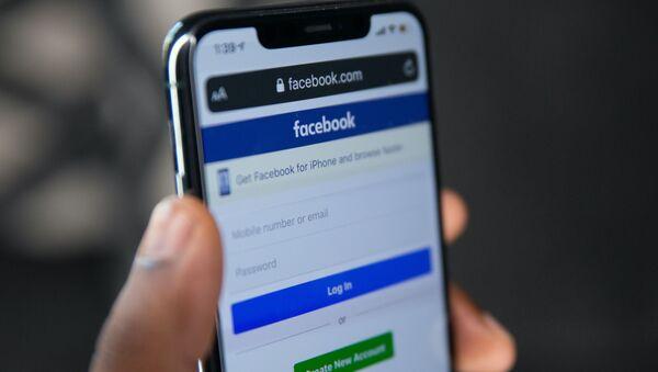 Страница Facebook телефон - Sputnik Беларусь