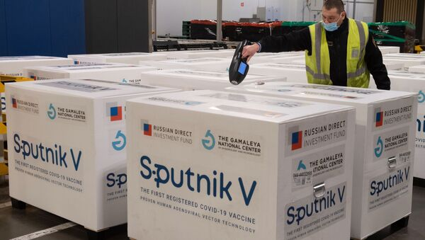 Доставка вакцины Sputnik V на склад в грузовой терминал - Sputnik Беларусь