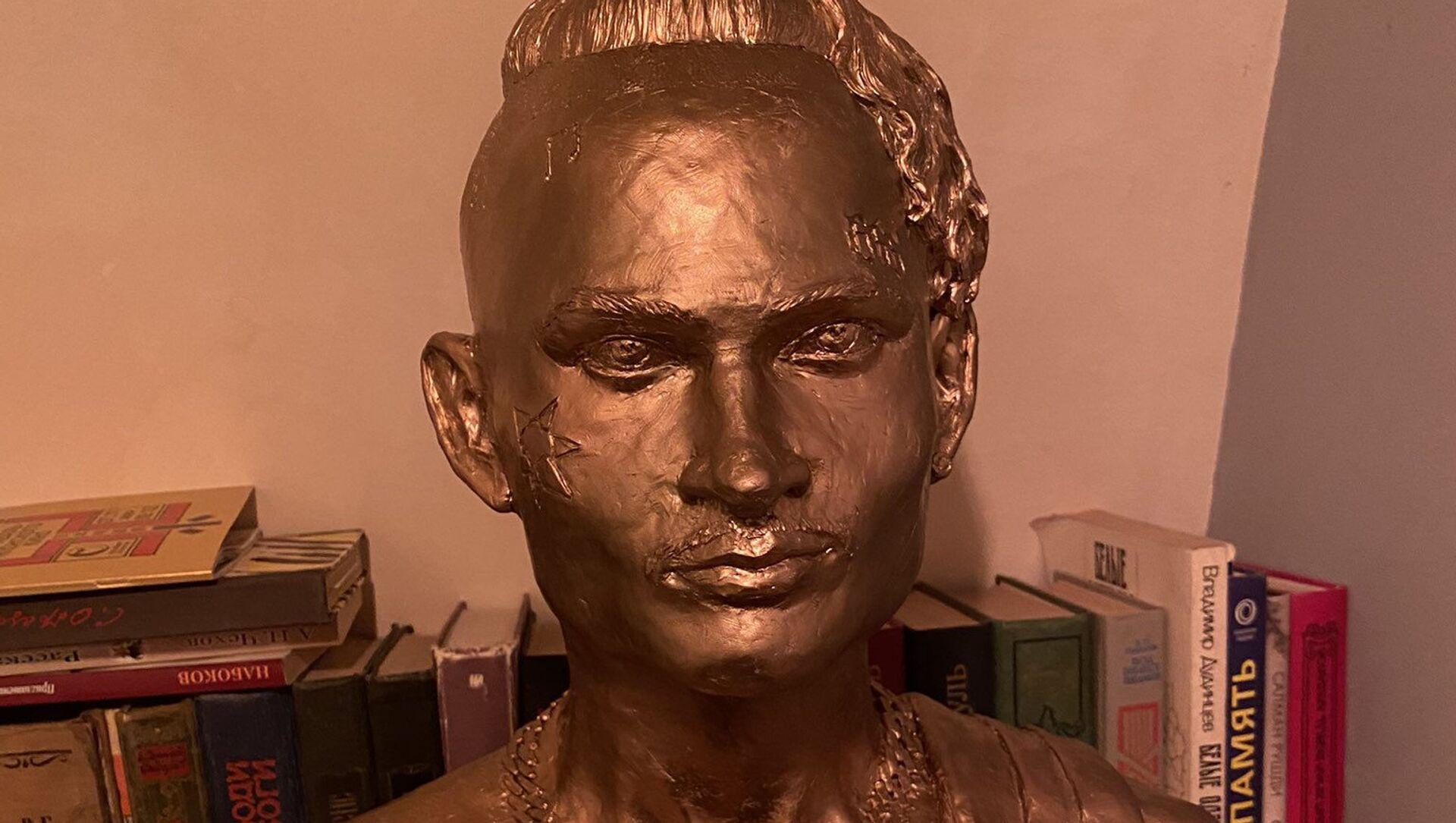 Цена славы: в Петербурге появился памятник Моргенштерну - Sputnik Беларусь, 1920, 20.02.2021