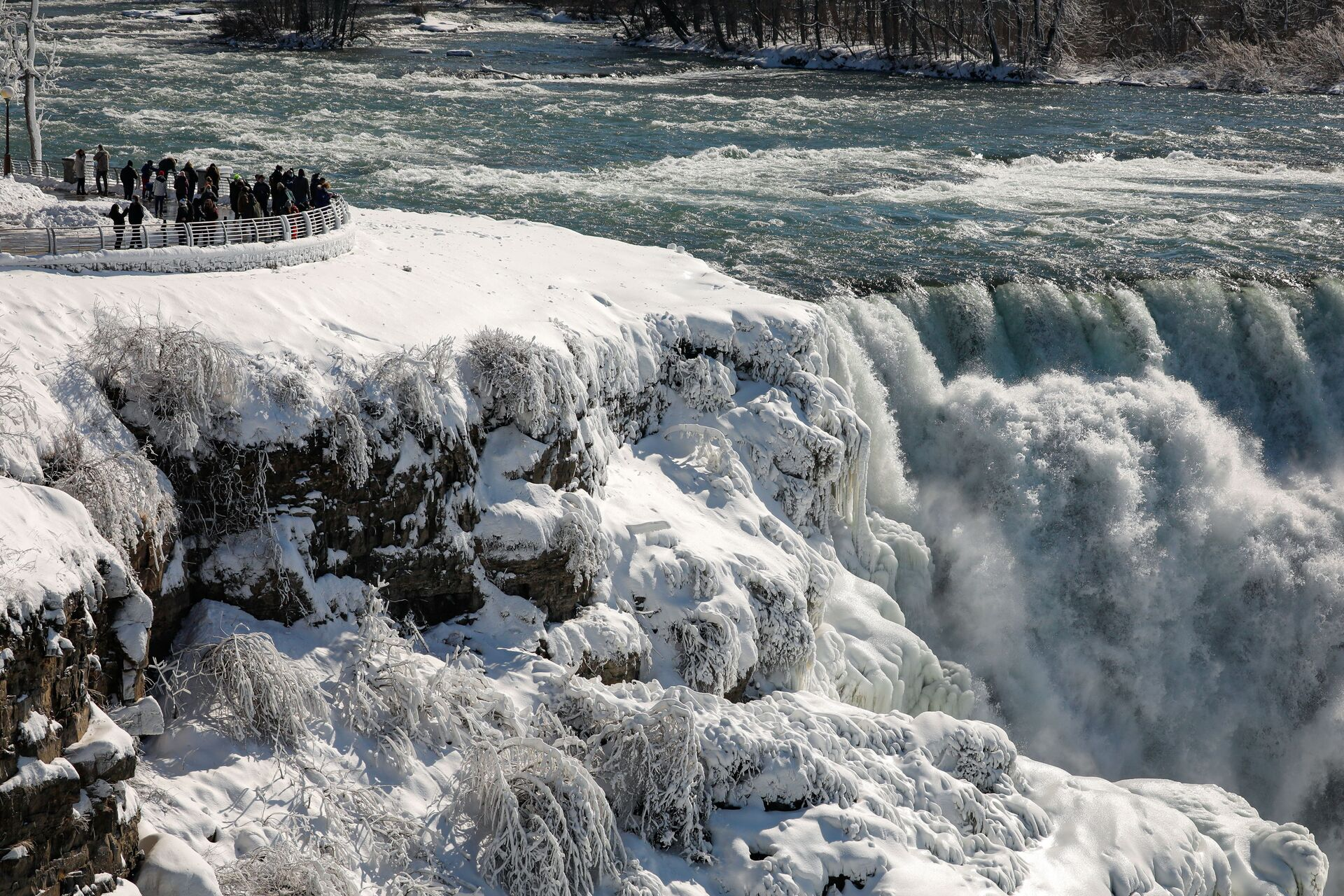 Ниагарский водопад замерз из-за холодов – фото и видео - Sputnik Беларусь, 1920, 23.02.2021