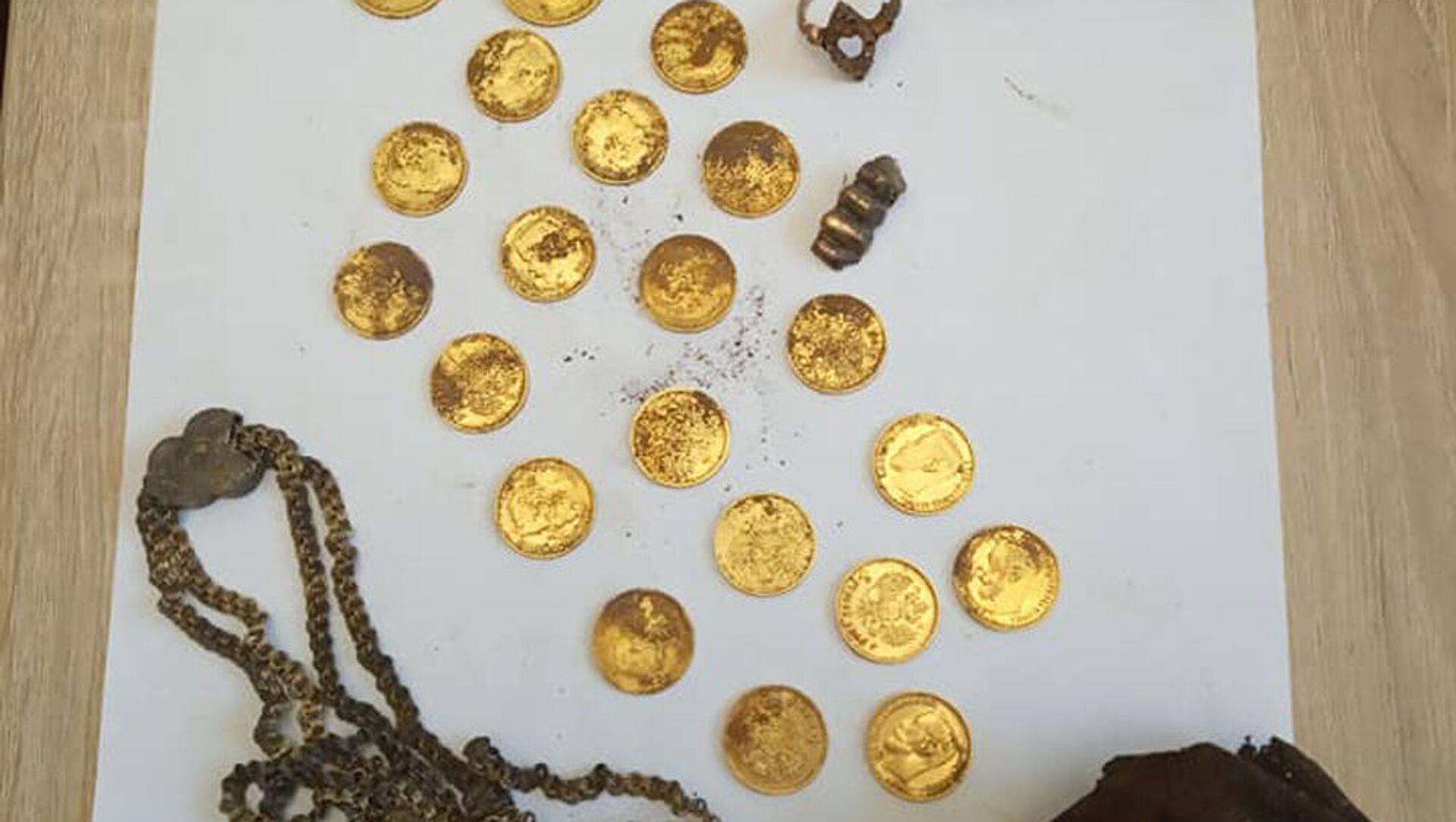 Клад золотых монет найден в центре Минска - Sputnik Беларусь, 1920, 23.02.2021