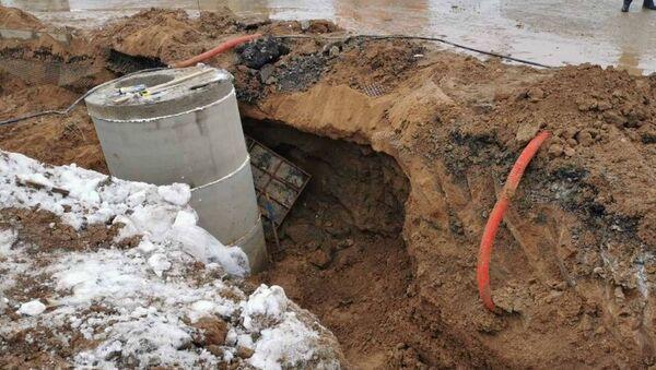 Мужчину засыпало грунтом при прокладке канализации в Фаниполе - Sputnik Беларусь