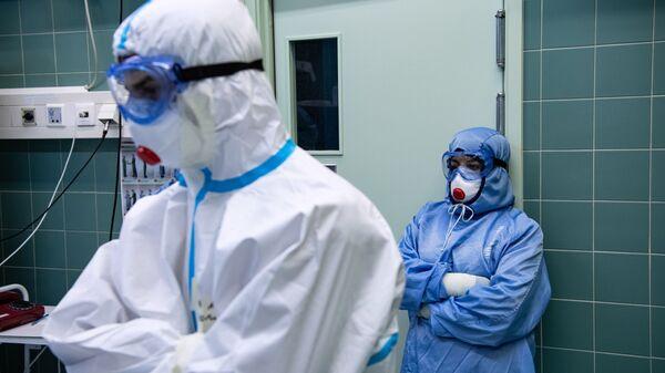 Лечение пациентов c COVID-19 в НИИ скорой помощи им. Н. В. Склифосовского - Sputnik Беларусь