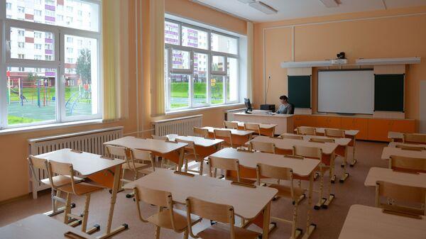 Учитель в классе - Sputnik Беларусь