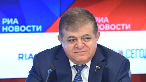 Сенатор, первый заместитель председателя комитета Совета Федерации РФ по международным делам Владимир Джабаров - Sputnik Беларусь