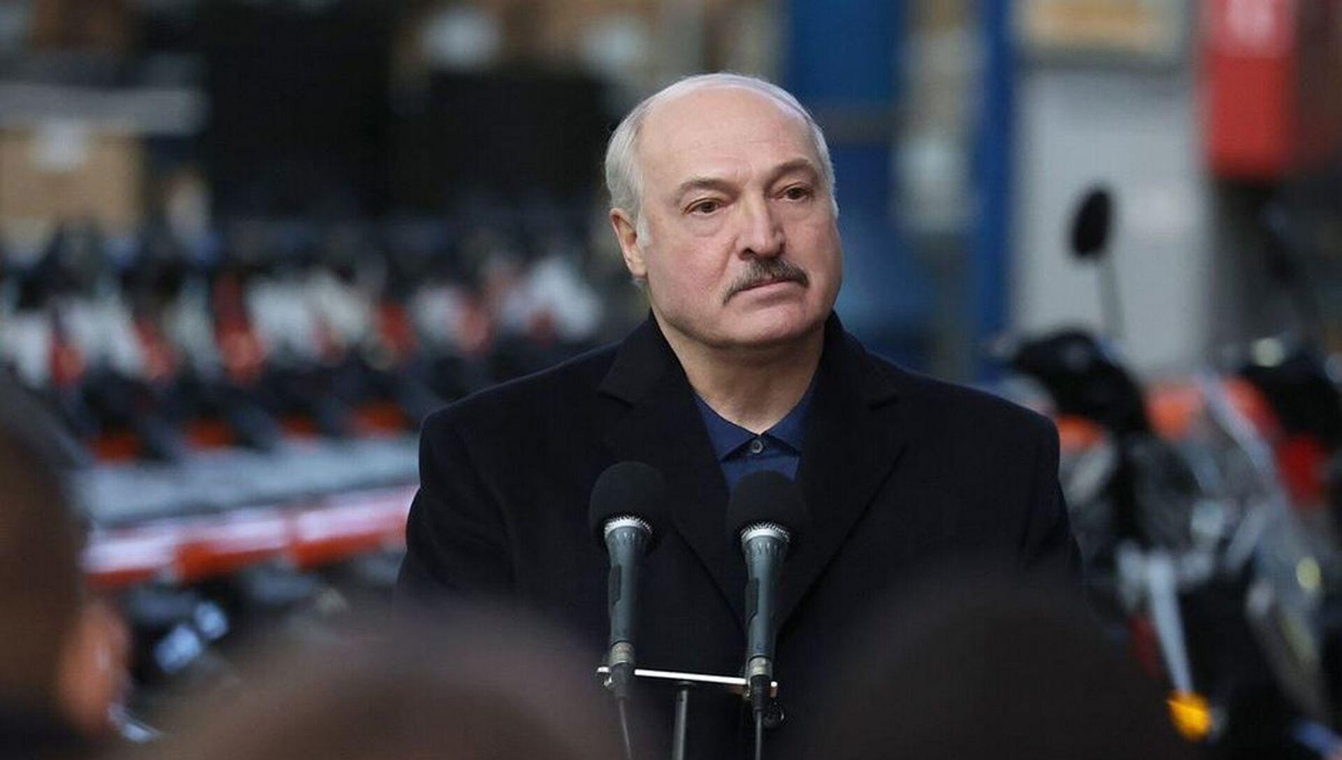 Посещение президентом Беларуси Александром Лукашенко ОАО Мотовело  - Sputnik Беларусь, 1920, 05.03.2021