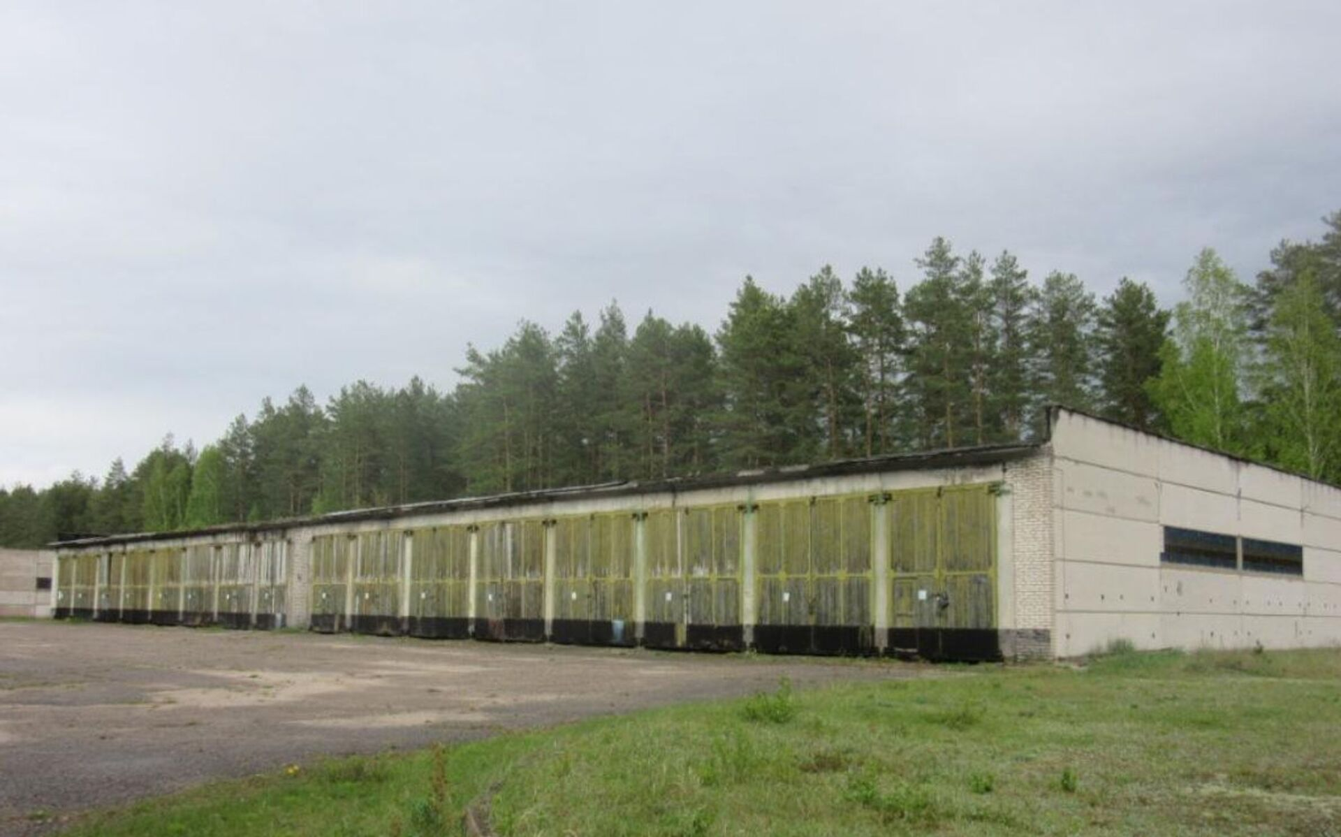 Воинскую часть выставили на аукцион в Беларуси: цена вопроса – 250 долларов - Sputnik Беларусь, 1920, 15.03.2021